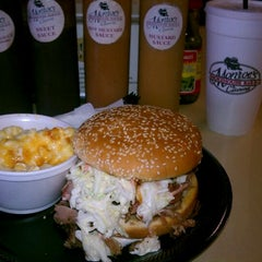 Photo taken at Monroe's Smokehouse BBQ by Arles D. on 4/19/2012