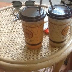 Photo taken at มิ่งมิตร (Mingmitr Coffee) by Ratchapoom S. on 6/29/2012