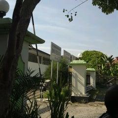 Photo taken at Dinas Kesehatan (DinKes) Kota Bandung by Mulki B. on 9/13/2012