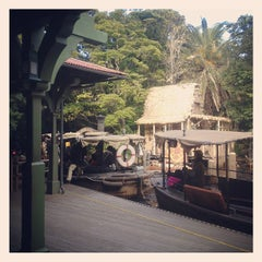Photo taken at ジャングルクルーズ (Jungle Cruise) by hi on 3/12/2012