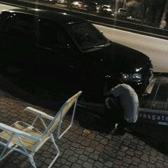 Photo taken at Borracharia 24h by Matheus J. on 7/3/2012