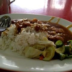 Photo taken at รูบี้โภชนา by Thana N. on 8/13/2012