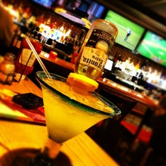 Photo taken at Chili's Grill & Bar by xǝlɐ  on 6/16/2012