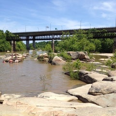 Photo taken at Rocks On The James by Ronald B. on 5/19/2012