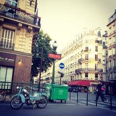 Photo taken at Métro Arts et Métiers [3,11] by Simon Z. on 7/14/2012
