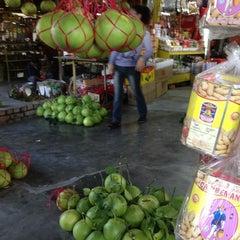 Photo taken at Limau Bali Tambun Xian Fatt by Teik Meng T. on 9/10/2012