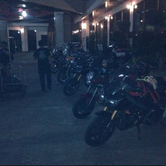 Photo taken at โรงแรมแกรนด์ พาราไดซ์ (Grand Paradise Hotel) by Nontawat T. on 12/2/2011