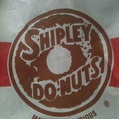 Photo taken at Shipley's Do-nuts by Eliska D. on 5/20/2012