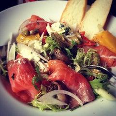 Photo taken at L'USINE: Et la Cafeteria de L'Usine by Cenix . on 9/7/2012