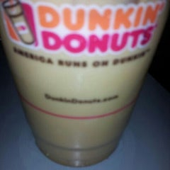 Photo taken at Dunkin' Donuts by Slick R. on 8/8/2012