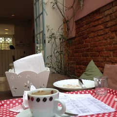 Photo taken at Brigadeiro Doceria & Café by Fellipe d. on 9/6/2012