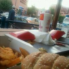 Photo taken at McDonalds by Yassine F. on 10/28/2011