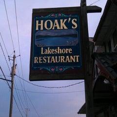 Photo taken at Hoak's Lakeshore Restaurant by Jennifer W. on 9/6/2011
