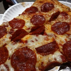 Photo taken at King Slice by TOFoodReviews on 6/29/2011