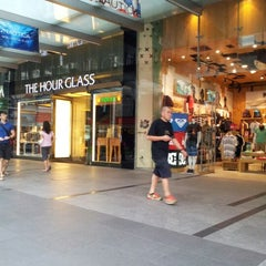 Photo taken at The Hour Glass by Quek A. on 6/6/2012