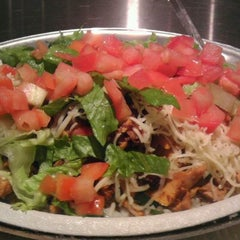 Photo taken at Chipotle Mexican Grill by Cha F. on 10/26/2011