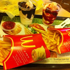 Photo taken at McDonald's Kota Bharu Mall by Zi C. on 8/3/2012