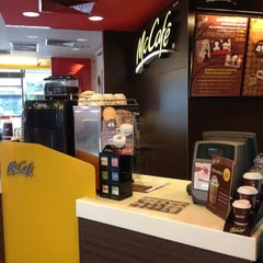 Photo taken at McDonald's & McCafé by Somkid C. on 7/27/2012