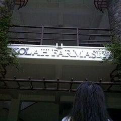 Photo taken at Gedung Yusuf Panigoro (Labtek VII) by Grieska A. on 5/29/2012