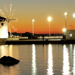 Photo taken at Λιμάνι Πάρου by Visit Greece on 10/4/2011