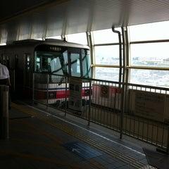 Photo taken at 大阪モノレール 蛍池駅 (Hotarugaike Sta.) by Tsuyoshi I. on 6/25/2012