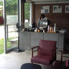 Photo taken at Boy's Organic Coffee Shop by Marina S. on 5/4/2012