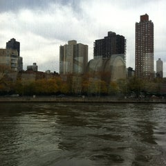 Photo taken at New York Water Taxi Randall's Island by Paul B. on 11/13/2011