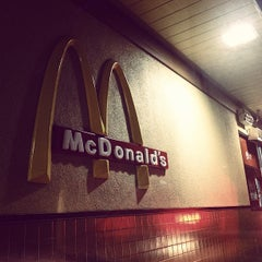 Photo taken at McDonald's by Billy L. on 11/6/2011