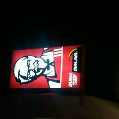 Photo taken at KFC by hasnol r. on 10/14/2011