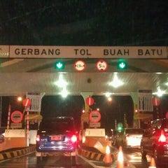 Photo taken at Gerbang Tol Buah Batu by Teguh S. on 12/2/2011
