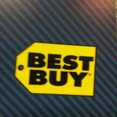 Photo taken at Best Buy by Abdullah S. on 12/12/2011