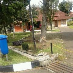 Photo taken at SO Telkom Gegerkalong by Iszur b. on 3/18/2012