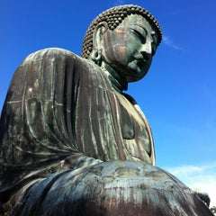Photo taken at 鎌倉大仏 (Great Buddha of Kamakura) by Hide K. on 9/8/2012