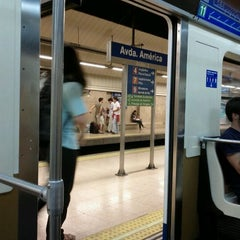 Photo taken at Metro Avenida de América by Pedro F. on 10/2/2011
