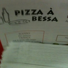 Photo taken at Pizza à Bessa by Breiner S. on 6/6/2012