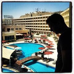 Photo taken at Le Méridien Pyramids Hotel & Spa by Elijah N. on 8/18/2012
