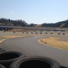 Photo taken at ツインリンクもてぎ (Twin Ring Motegi) by Jr. I. on 4/1/2012