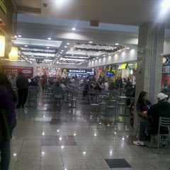 Photo taken at Shopping Jardim das Américas by Diogo S. on 11/17/2011