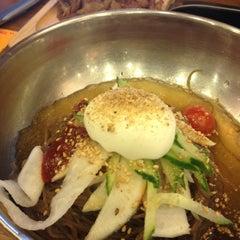 Photo taken at 고기주는 냉면집 by Luke N. on 4/13/2012
