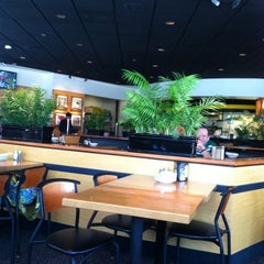 Photo taken at California Pizza Kitchen by Ruje F. on 7/1/2011