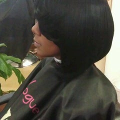 Photo taken at The Perfect Weave Salon by Toni R. on 4/11/2012