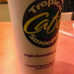 Photo taken at Tropical Smoothie Cafe by Crystal R. on 3/2/2012