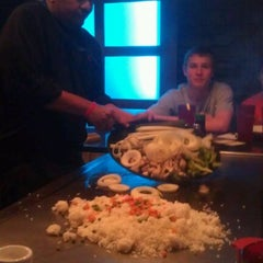 Photo taken at Kono Hibachi & Sushi Bar by Raul J. on 4/9/2012