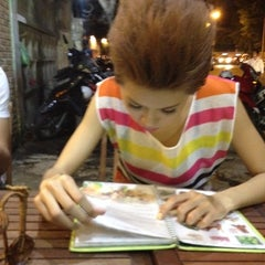Photo taken at Ếch Xanh Restaurant by Jay 董. on 5/17/2012