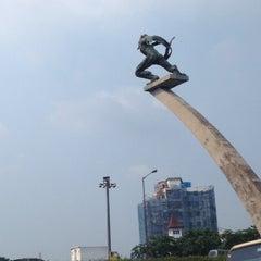 Photo taken at Patung Dirgantara (Patung Pancoran) by Eshape B. on 5/2/2012