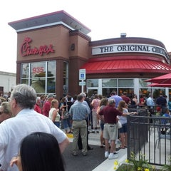 Photo taken at Chick-fil-A by Kevin T. on 8/1/2012