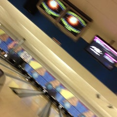 Photo taken at Royal Crest Lanes by Jadyn +. on 5/13/2012