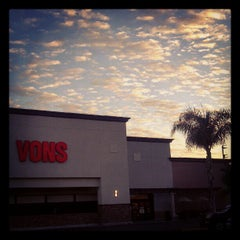 Photo taken at VONS by Ijaz A. on 9/7/2012