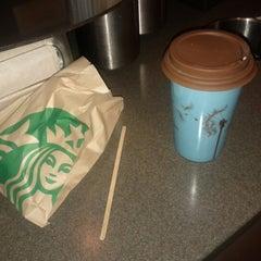 Photo taken at Starbucks by Felipe S. on 8/25/2012