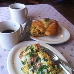 Photo taken at Rolling In Thyme & Dough by Allison T. on 8/4/2012